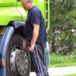 Una multa de 68 euros por orinar al borde de la carretera