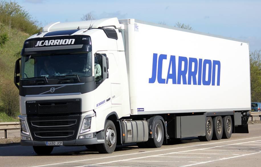 JCarrión anuncia 50 vacantes chófer tráiler, con salarios supuestamente de 2.400 euros más dietas