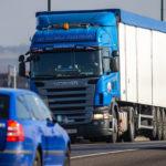 La DGT prohíbe que los camiones vayan este año por tres carreteras nacionales