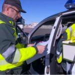 Atención! La Guardia Civil denuncia a un conductor por llevar una cámara en el parabrisas