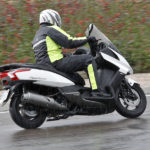 El Gobierno estudia que la chaqueta sea obligatoria para los motoristas