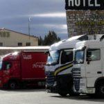 """Los 50 mejores restaurantes de carretera de España. """"Si hay camiones en la puerta de un restaurante, se come bien y barato""""."""