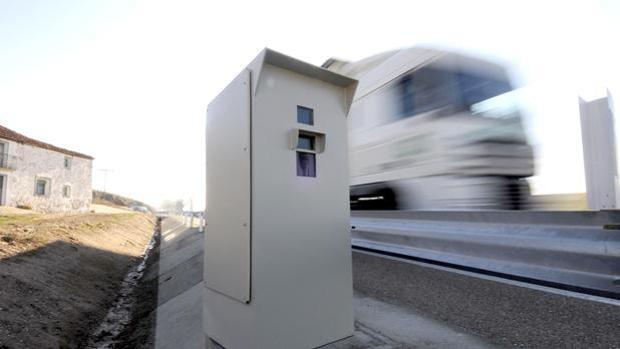 La DGT avisa de la velocidad real que multan los radares
