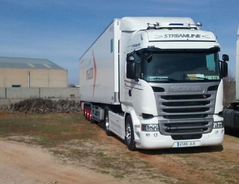 ¡Atención ayuda! Camión robado en Albacete 4566-JLK. R-9503-BCN