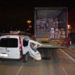 Conductor ebrio choca contra un camión estacionado en carga y descarga