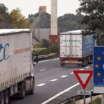 Francia amenaza con un 'tasazo' a miles de camiones murcianos que recorren Europa