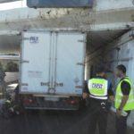 Cae el primer camión del año en el túnel de San Telmo