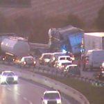 ÚLTIMA HORA: Cortada la AP-7 en Vilafranca del Penedès por accidente entre dos camiones