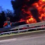 Mueren seis personas por el choque de un camión lleno de gasolina en Italia
