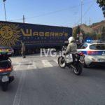 Un camión de Waberer, pierde el semirremolque en Bastia y produce un caos de circulación