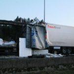 Dos muertos aplastados en la E-19, uno de ellos camionero