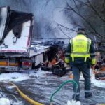 URGENTE: Muere un camionero tras volcar y quemarse completamente el camión en Oronoz