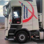 Herido el conductor de un camión de El Mosca al explotarle una bombona de gas