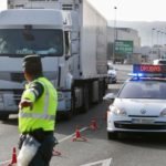 Investigan a un camionero por grabar a un niño de 4 años conduciendo el camión y difundirlo en facebook