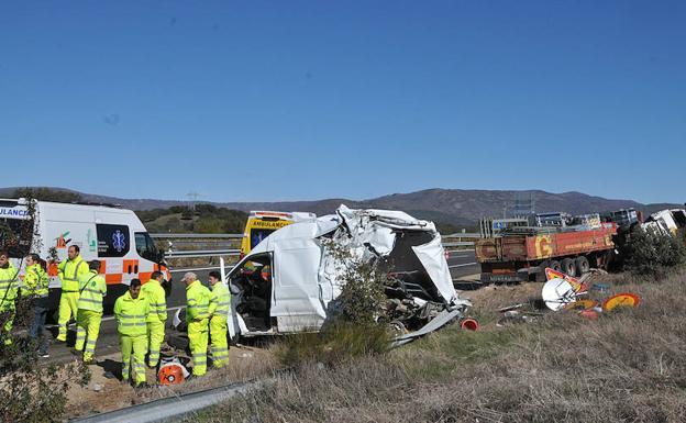 La DGT culpa al gran numero de autónomos y automovilistas que alquilan furgonetas, de los más de 1000 muertos en accidentes