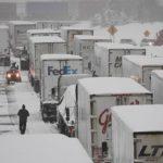 Unos 150 camiones han sido «detenidos y estacionados» en Teruel
