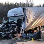 Una bobina desprendida de un camión mata al conductor de una cigüeña