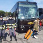 El hielo caído de un camión, casi provoca la tragedia a un autobús español con 30 niños a bordo