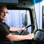 Francia busca conductores de camiones en España, con contrato francés
