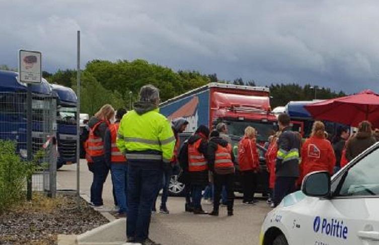 Un camionero herido al enfrentarse a los manifestantes que bloquean los centros de distribución del Lidl en Bélgica