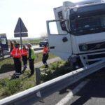 Un camionero muere al enfermar mientras conducía en la A-1 en Elburgo
