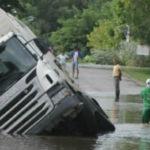 Las inundaciones obligan a cortar 21 carreteras en cinco provincias