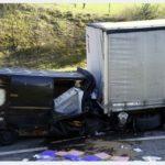 URGENTE!! Muere un conductor de 38 años al estrellarse contra un camión
