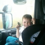 Viajar con niños en camiones o furgonetas ¿es posible?
