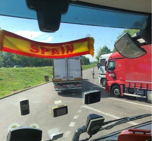 Denunciado un camionero portugués, por circular con el campo de visión con visibilidad reducida.