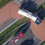 Accidente dulce: Vuelca un camión de chocolate liquido en Polonia