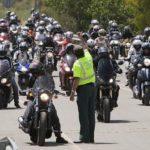 El RACC presiona para que las motos puedan circular por el arcén