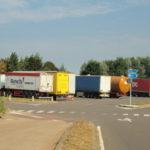 Dos camioneros hospitalizados tras ser atacados por inmigrantes que pretendían robar un camión en Bélgica