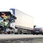Dos heridos al chocar de frente dos camiones en la N-II, a la altura de Pina de Ebro