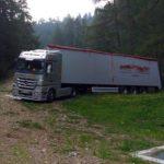El GPS lleva a un camión esloveno a las pistas de esquí en la cima de una montaña