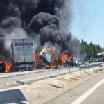 Un tráiler cruza la mediana y mata al menos 3 personas en la A7 en Vedène