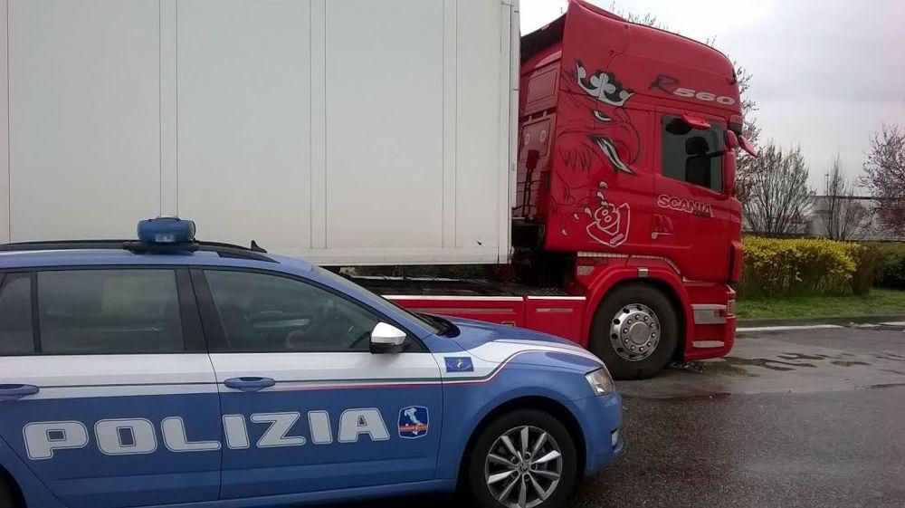 camion controllo polizia stradale 2