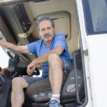 Camioneros por vocación: «No cambiaría mi oficina con ruedas por nada del mundo»