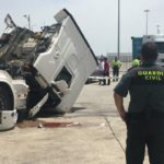 Fallece el camionero de 47 años que quedó atrapado en la cabina del camión por fallo del hidráulico