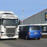 LIDL cobra 40 o 100 euros por descarga de camión en sus centros logísticos