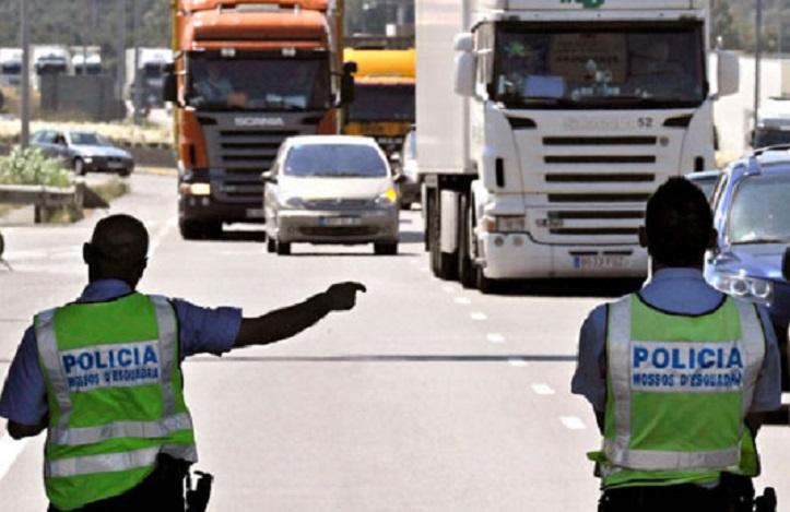 Cataluña restablece desde hoy parcialmente el desvío de camiones a las autopistas