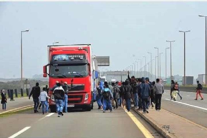 imigranti ilegali calais 2015 002