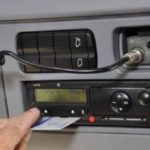 Un camionero rumano destapa como un empresario obliga a manipular el tacógrafo. No te pierdas el vídeo