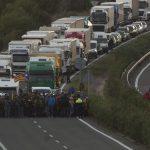 Los CDR cortan la circulación de la AP7 a la altura de Vandellòs (Tarragona)