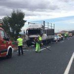 Un camionero fallece tras colisionar dos camiones en la A92 en Cúllar