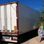 El GPS lleva a un camión a bloquear 20 horas el paso a una urbanización en Sagunto