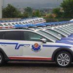 Piden retirar 140 coches patrulla nuevos porque los ertzainas no caben