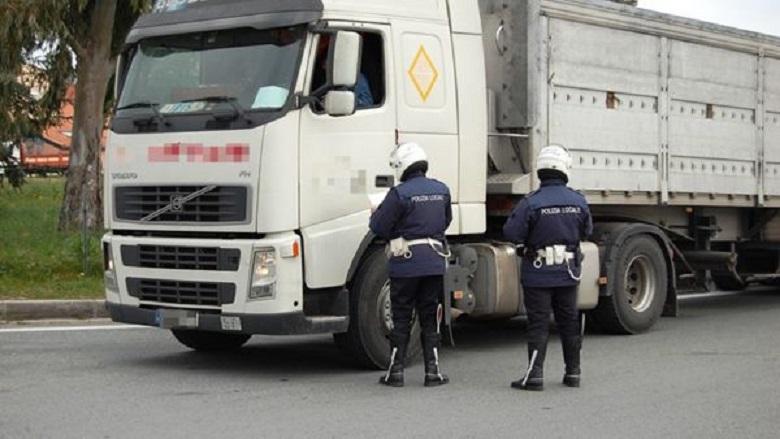vigili polizia municipale controlli camion 2