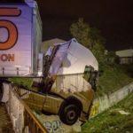 El camionero que volvió a nacer. El camión suspendido en el abismo, en el puente del Capitán Geze