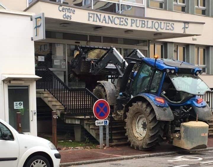 En Francia, el pueblo si es dueño del país, no de los políticos.