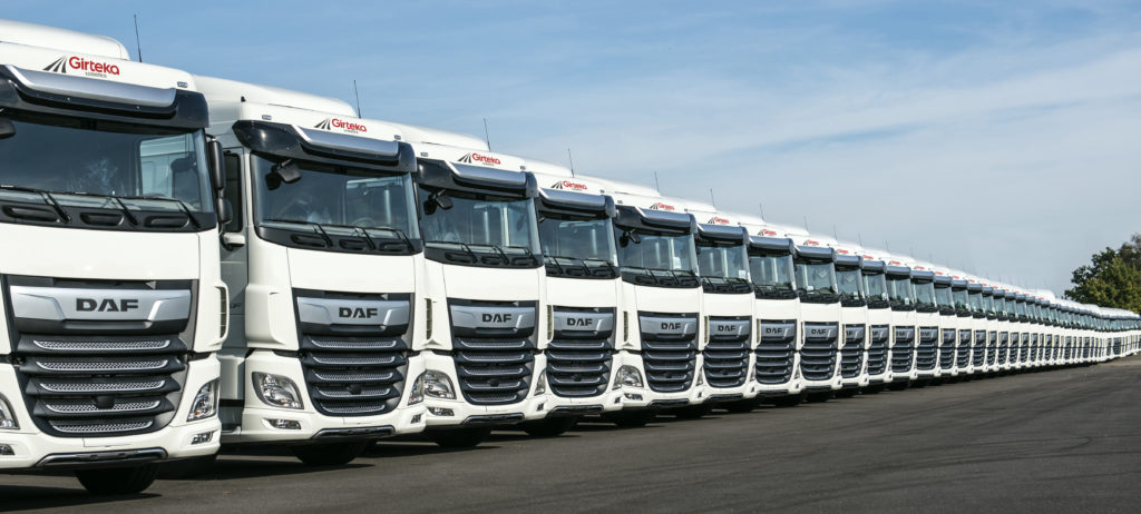 DAF XF row Girteka delivery 01